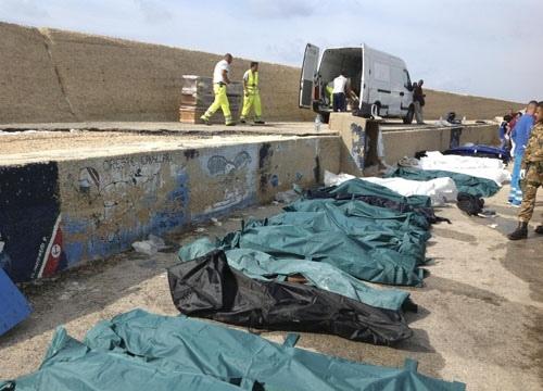 Lampedusa, arrestato il presunto scafista. Era il comandante del barcone di clandestini